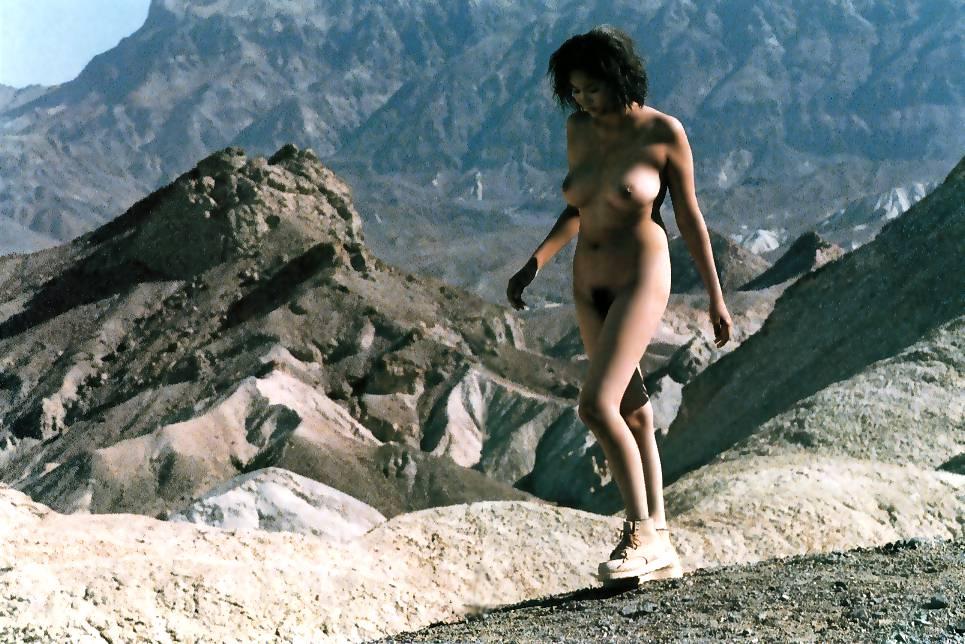 image http://scanlover.com/assets/images/3774-BTt7udqI1KmAHTHL.jpeg